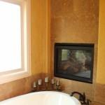 Master Tub w/ Fireplace